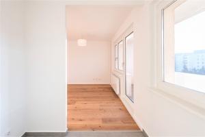 ברלין, ברלין 12681, 1 Bedroom חדרים, ,1 Bathroomחדרי רחצה,דירה,למכירה,8,1099